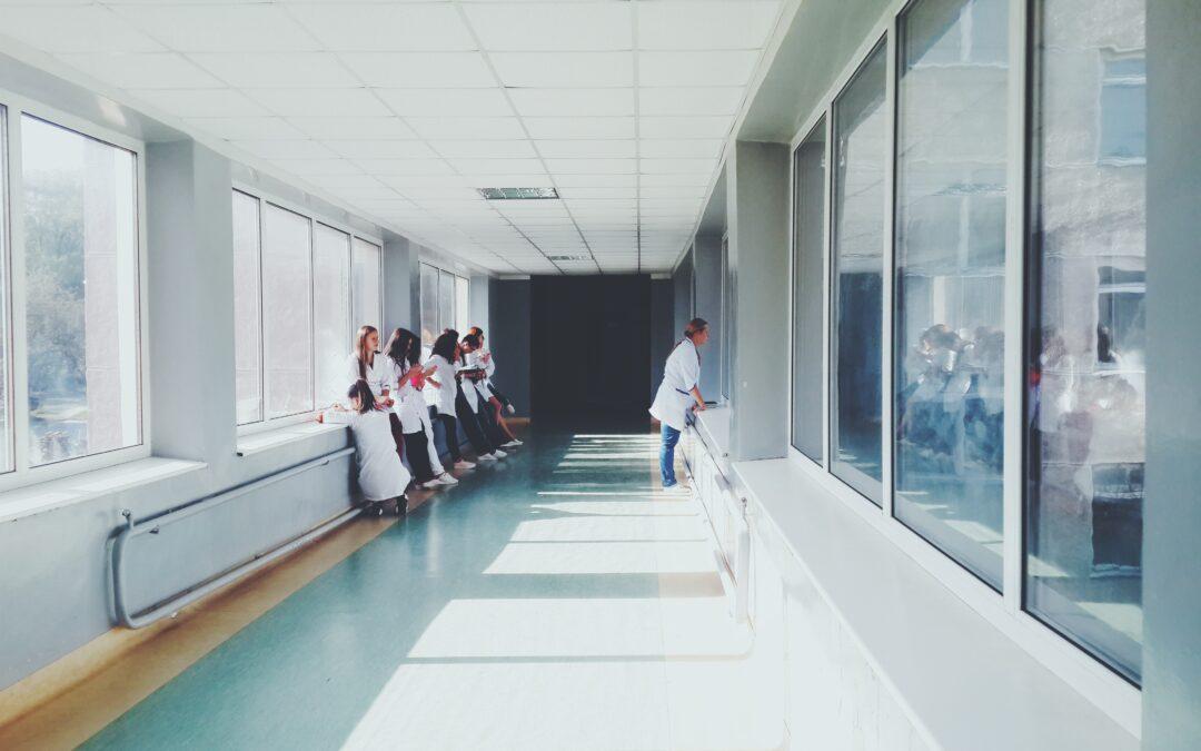 GCS et exercice du médecin sur plusieurs sites : le Conseil d'Etat clarifie la situation